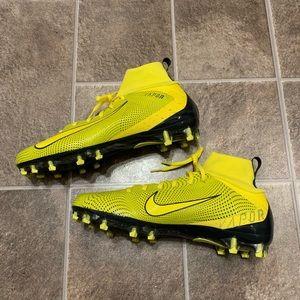 Nike Shoes - Nike Vapor Untouchable Pro 3 Football Cleats
